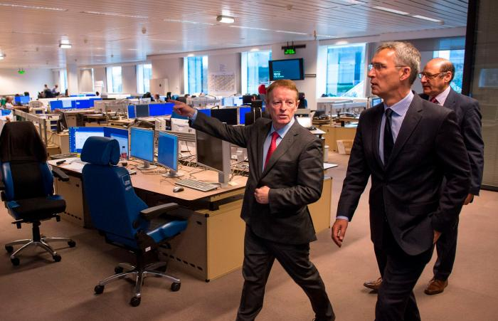 Mr Jens Stoltenberg, NATO Secretary General and Eamonn Brennan, EUROCONTROL Director General at their visit of EUROCONTROL's Headquarters.
